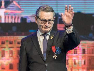 Kari Järvinen palkittiin Cruftsissa